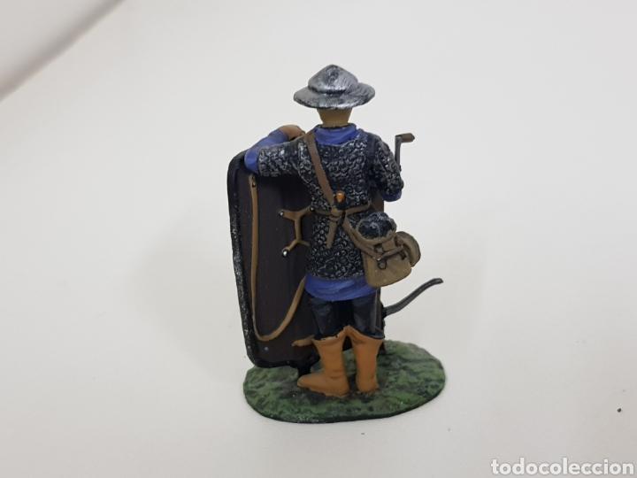 Juguetes Antiguos: Ballesteros suizo año 1323 soldado de plomo con escudo ballesta - Foto 3 - 134296502