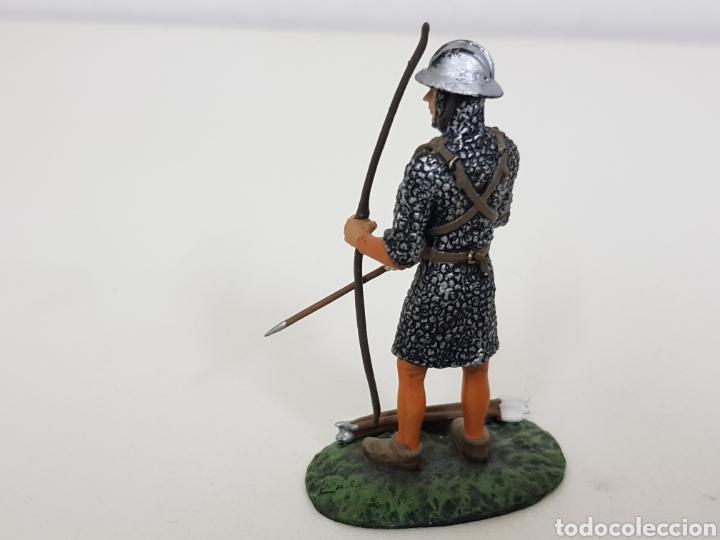 Juguetes Antiguos: Arquero inglés soldado de plomo con arco y flecha - Foto 3 - 134296757