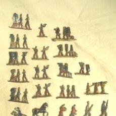 Juguetes Antiguos: LOTE VARIAS FIGURAS, SOLDADOS DE PLOMO, JINETES, INDIO. Lote 136027838