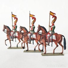 Juguetes Antiguos: SOLDADO DE PLOMO - 3 FIGURAS PLANAS ANTIGUAS DE CABALLERIA ESPAÑOLA - SOLDADITO. Lote 143506558