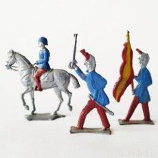 Juguetes Antiguos: SOLDADO DE PLOMO - 3 FIGURAS PLANAS TROPAS ESPAÑOLAS - PLANAS SEMIBULTO- SOLDADITO. Lote 143511506