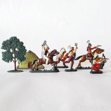 Juguetes Antiguos: 5 FIGURAS + CHOZA + ARBOL - INDIOS AMERICANOS - 40 MM - FIGURA PLOMO SOLDADITO 40MM MINIATURA. Lote 143892450