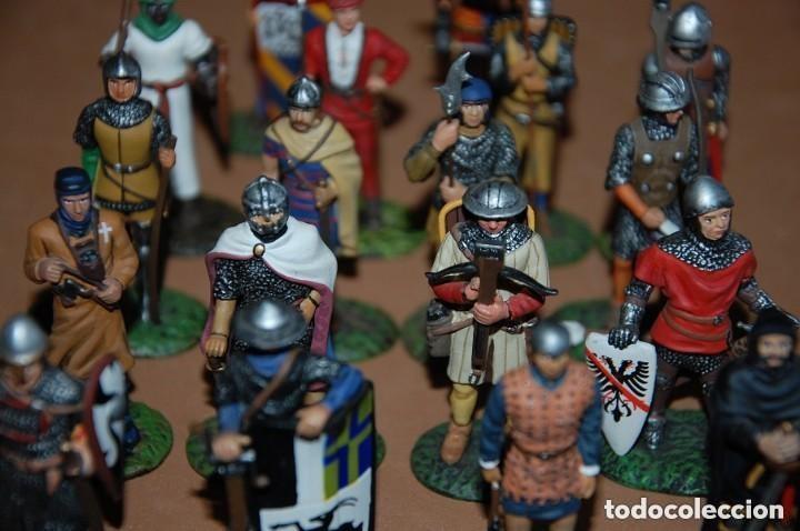 Juguetes Antiguos: LOTE DE 18 FIGURAS DE PLOMO SOLDADOS / EDAD MEDIA - Foto 5 - 147787474