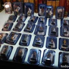 Juguetes Antiguos: GRAN LOTE DE 30 SOLDADOS DE PLOMO - GUERREROS MEDIEVALES - ALTAYA - EN SU BLISTER - NUEVOS -. Lote 148062714