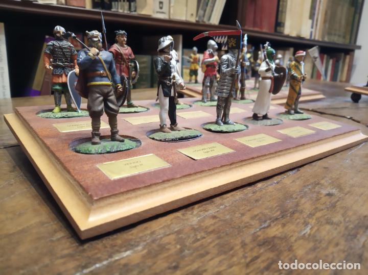 Juguetes Antiguos: LOTE DE 30 SOLDADOS DE PLOMO MEDIEVALES - EN SUS PEANAS DE MADERA - ALTAYA - - Foto 2 - 150128254