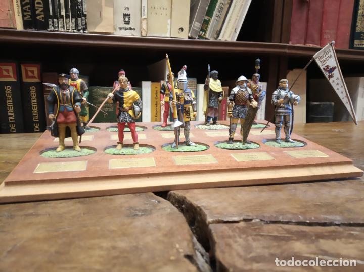 Juguetes Antiguos: LOTE DE 30 SOLDADOS DE PLOMO MEDIEVALES - EN SUS PEANAS DE MADERA - ALTAYA - - Foto 4 - 150128254