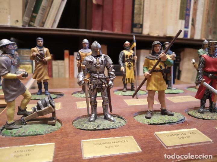 Juguetes Antiguos: LOTE DE 30 SOLDADOS DE PLOMO MEDIEVALES - EN SUS PEANAS DE MADERA - ALTAYA - - Foto 5 - 150128254