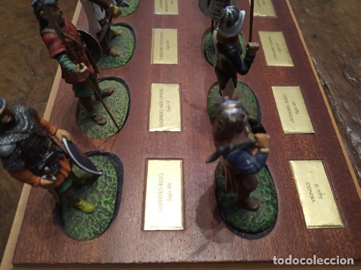 Juguetes Antiguos: LOTE DE 30 SOLDADOS DE PLOMO MEDIEVALES - EN SUS PEANAS DE MADERA - ALTAYA - - Foto 10 - 150128254