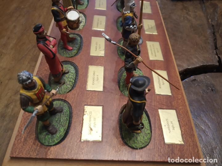 Juguetes Antiguos: LOTE DE 30 SOLDADOS DE PLOMO MEDIEVALES - EN SUS PEANAS DE MADERA - ALTAYA - - Foto 12 - 150128254