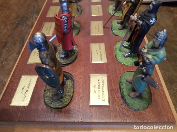 Juguetes Antiguos: LOTE DE 30 SOLDADOS DE PLOMO MEDIEVALES - EN SUS PEANAS DE MADERA - ALTAYA - - Foto 15 - 150128254