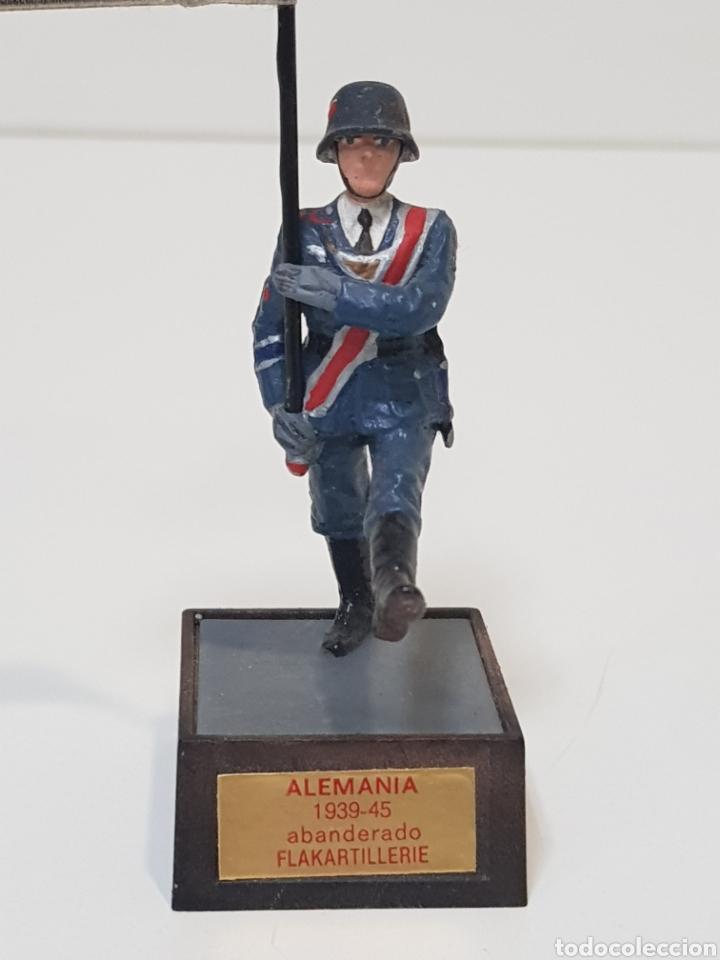 Juguetes Antiguos: ABANDERADO NAZI ALEMÁN FLAKARTILLERIE MARCA SOLDAT ALEMANIA 1939-45 - Foto 2 - 150364133