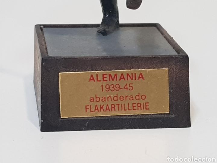 Juguetes Antiguos: ABANDERADO NAZI ALEMÁN FLAKARTILLERIE MARCA SOLDAT ALEMANIA 1939-45 - Foto 5 - 150364133