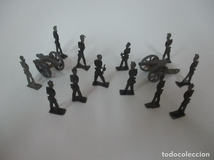 Juguetes Antiguos: 12 Soldados de Plomo Alfonsinos, Artillería - 2 Cañones - Cañón de Plomo - Capell - Años 20-30 - Foto 2 - 150762246
