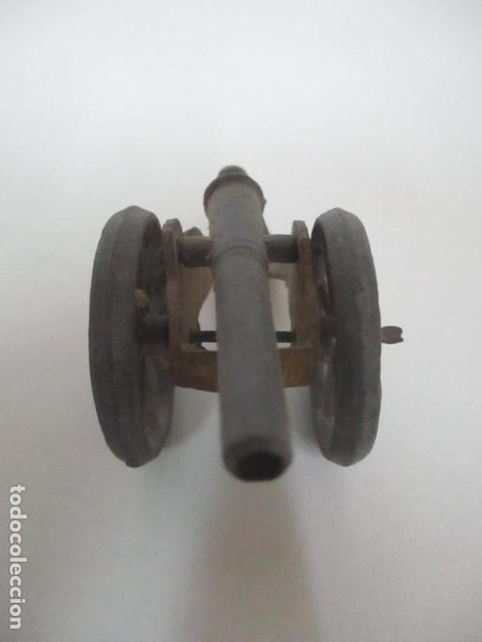 Juguetes Antiguos: 12 Soldados de Plomo Alfonsinos, Artillería - 2 Cañones - Cañón de Plomo - Capell - Años 20-30 - Foto 5 - 150762246