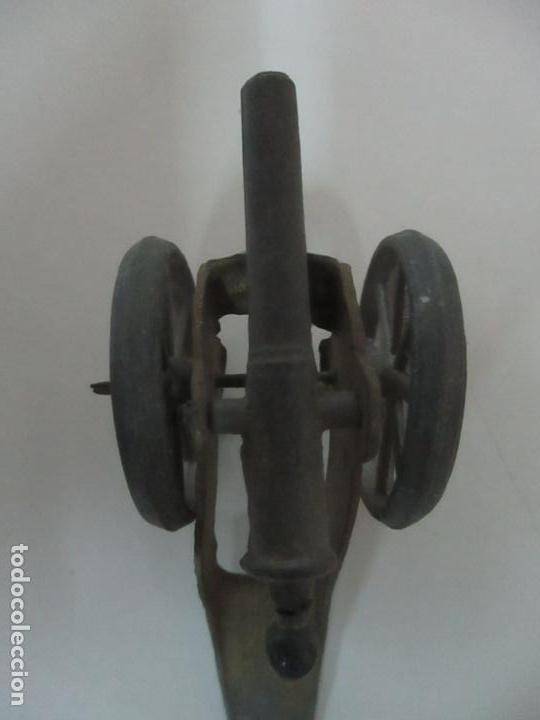 Juguetes Antiguos: 12 Soldados de Plomo Alfonsinos, Artillería - 2 Cañones - Cañón de Plomo - Capell - Años 20-30 - Foto 7 - 150762246