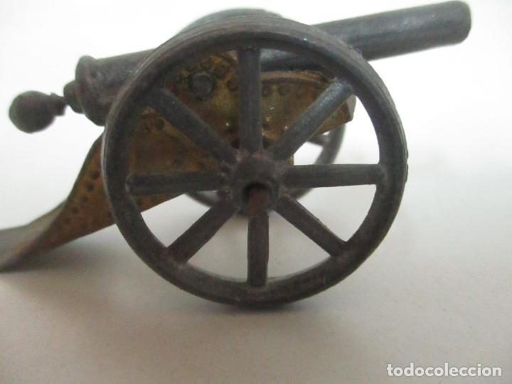 Juguetes Antiguos: 12 Soldados de Plomo Alfonsinos, Artillería - 2 Cañones - Cañón de Plomo - Capell - Años 20-30 - Foto 10 - 150762246