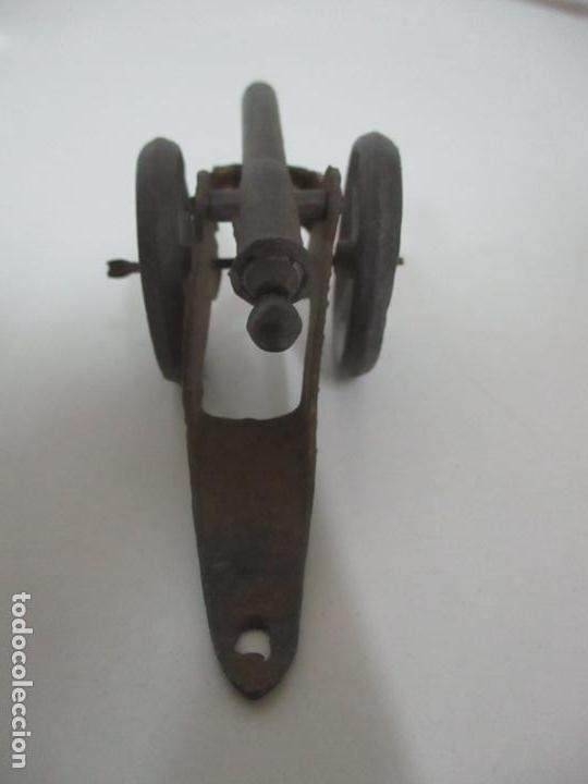 Juguetes Antiguos: 12 Soldados de Plomo Alfonsinos, Artillería - 2 Cañones - Cañón de Plomo - Capell - Años 20-30 - Foto 20 - 150762246