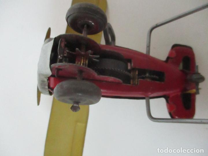Juguetes Antiguos: Precioso y Raro Avión, Stunt Flyer- Hojalata Litografiada - Marca Suzuki - Made in Mark - Años 40-50 - Foto 7 - 151354206