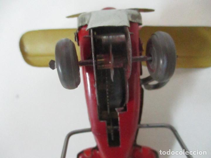 Juguetes Antiguos: Precioso y Raro Avión, Stunt Flyer- Hojalata Litografiada - Marca Suzuki - Made in Mark - Años 40-50 - Foto 8 - 151354206
