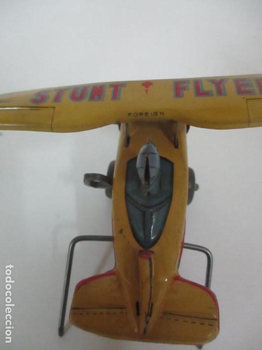 Juguetes Antiguos: Precioso y Raro Avión, Stunt Flyer- Hojalata Litografiada - Marca Suzuki - Made in Mark - Años 40-50 - Foto 11 - 151354206