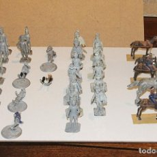 Juguetes Antiguos: 27 SOLDADOS DE PLOMO + 6 CABALLOS, EL GUNO PINTADO Y OTROS NO. TAMAÑO 6 CM. . Lote 151636086