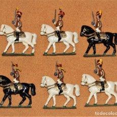 Juguetes Antiguos: LOTE DE 6 SOLDADOS ANTIGUOS A CABALLO EN PLOMO PINTADO. . Lote 151708702
