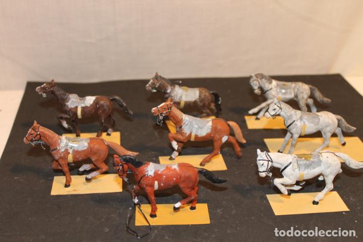 Juguetes Antiguos: 8 CABALLOS DE PLOMO PINTADO A MANO AÑOS 40, - Foto 3 - 152325114
