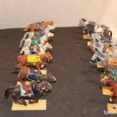 Juguetes Antiguos: 14 CABALLOS DE PLOMO. Lote 152463522