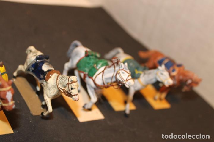 Juguetes Antiguos: 14 CABALLOS DE PLOMO - Foto 4 - 152463522