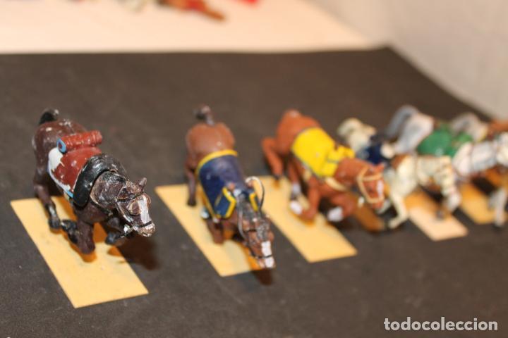 Juguetes Antiguos: 14 CABALLOS DE PLOMO - Foto 5 - 152463522