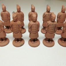 Juguetes Antiguos: 10 FIGURA DE PLOMO GUERREROS DE XIAN DE TERRACOTA. Lote 213443263