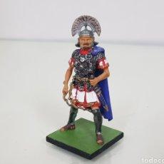 Juguetes Antiguos: ROMANO CON VARA SOLDADO DE PLOMO CON PEANA. Lote 153079922