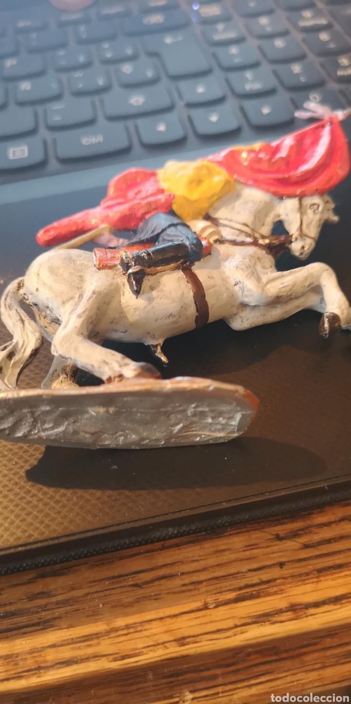 Juguetes Antiguos: Soldado de plomo pintado a mano artesanalmente representando la figura del general Prim en la guerra - Foto 7 - 153305549