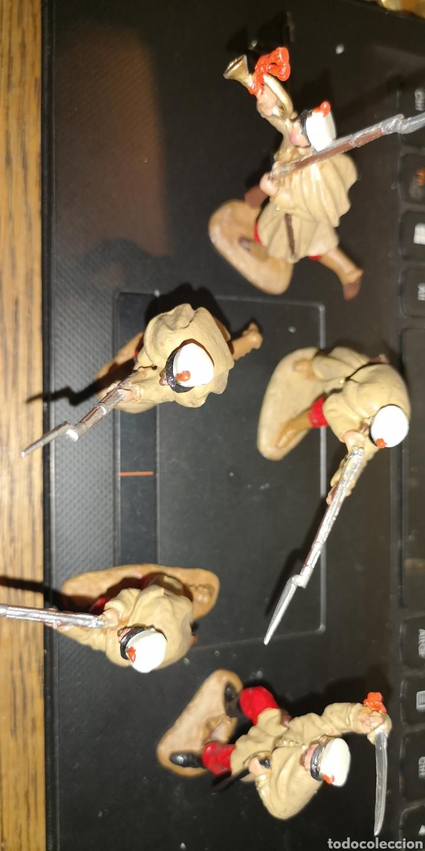 Juguetes Antiguos: Conjunto de 5 soldados de plomo representando a tropas españolas en la guerra de África - Foto 3 - 153306421