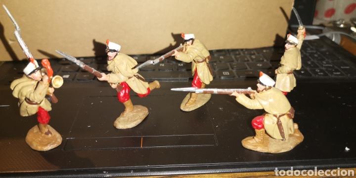 Juguetes Antiguos: Conjunto de 5 soldados de plomo representando a tropas españolas en la guerra de África - Foto 4 - 153306421