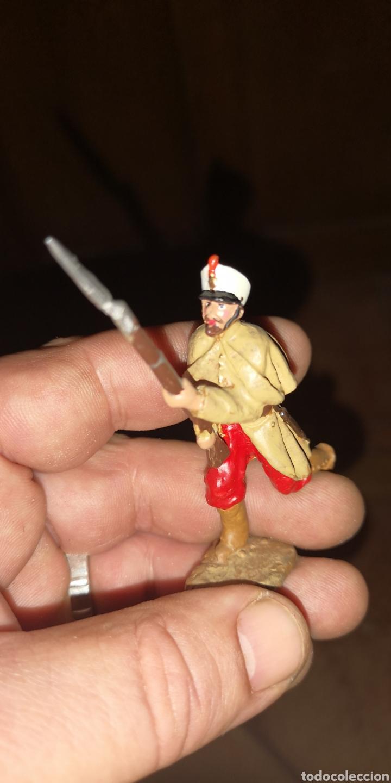 Juguetes Antiguos: Conjunto de 5 soldados de plomo representando a tropas españolas en la guerra de África - Foto 9 - 153306421
