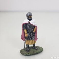 Juguetes Antiguos: SOLDADO DE PLOMO CABALLERO FRANCÉS 1213 CON ESPADA Y EMBLEMA LEÓN. Lote 154795894