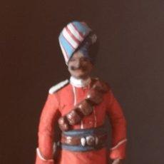 Juguetes Antiguos: SOLDADO DE PLOMO PINTADOS ARTESANALMENTE REPRESENTA A SOLDADO DE LAS FUERZAS ARMADAS DE LA INDIA. Lote 155879657
