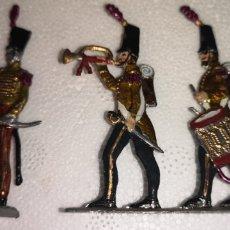 Juguetes Antiguos: CONJUNTO DE SOLDADOS DE PLOMO PLANOS PINTADOS ARTESANALMENTE. Lote 155888926