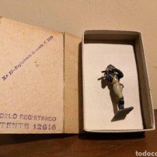 Juguetes Antiguos: SOLDADO DE PLOMO CASTRESANA. Lote 156911045