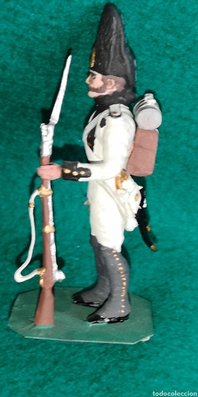 Juguetes Antiguos: Soldado de plomo pintada artesanalmente regimiento de Saboya granadero 1805 RAMON LABAYEN - Foto 2 - 160359800