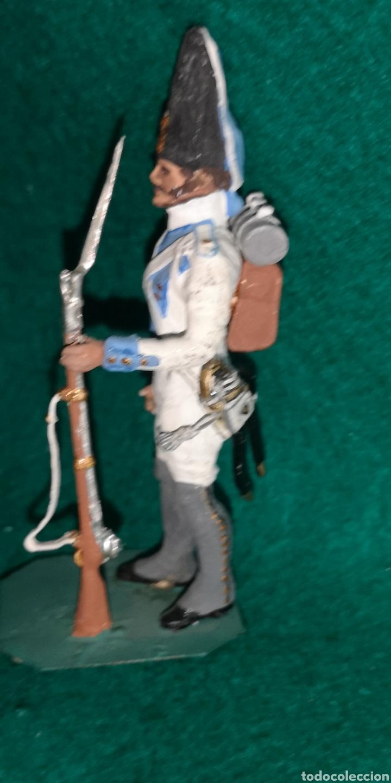Juguetes Antiguos: Soldado de plomo pintada artesanalmente regimiento Toledo granadero 1805 RAMON LABAYEN - Foto 2 - 160452012