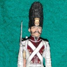 Juguetes Antiguos: SOLDADO DE PLOMO PINTADA ARTESANALMENTE REGIMIENTO DEL REY GRANADERO 1805 RAMON LABAYEN. Lote 160504274