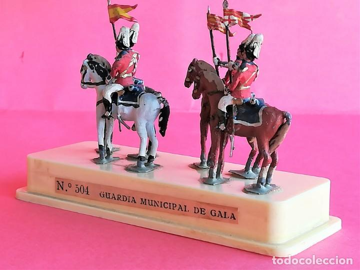 Juguetes Antiguos: SOLDADOS DE PLOMO,GRUPO CABALLERIA GUARDIA MUNICIPAL DE GALA DE BARCELONA,URBANA,ALYMER,AÑOS 60/70 - Foto 3 - 162409974