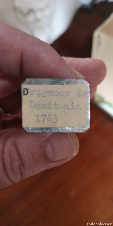 Juguetes Antiguos: Soldado de plomo pintados tres a la mente de dragones de Lusitania 1763 - Foto 5 - 165490045
