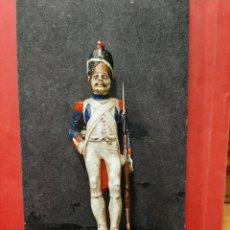 Juguetes Antiguos: SOLDADO DE PLOMO, GRANADERO, FRANCIA 1804.. Lote 167456922