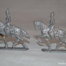Juguetes Antiguos: ANTIGUOS SOLDADITOS DE PLOMO A CABALLO. ROMANJUGUETESYMAS.. Lote 167801276