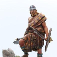 Juguetes Antiguos: GUERRERO ESCOCÉS, SIGLO XII. FIGURA EN PLOMO, 75 MM PINTADO A MANO EN ALTA CALIDAD.. Lote 170978660