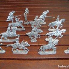 Juguetes Antiguos: SOLDADOS DE PLOMO. Lote 171406118