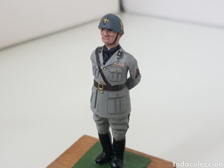 Juguetes Antiguos: Personajes famosos militares figura de plomo con peana de madera - Foto 2 - 171417514